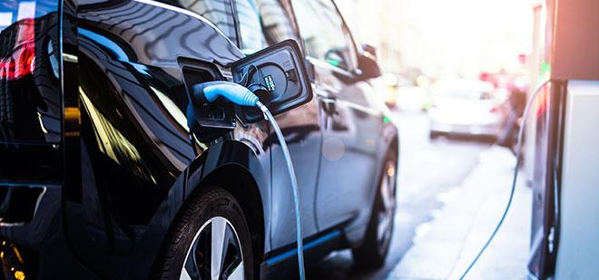 Τα Ηλεκτρικά Οχήματα έρχονται και φέρνουν μαζί τους ανακατατάξεις στην αγορά ενέργειας